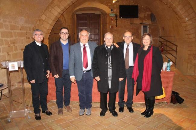 Nella foto: don Pino Biondo, Francesco Crinelli, Steni Di Piazza, Domenico Mogavero, Pietro Fina ed Enza Luppino.