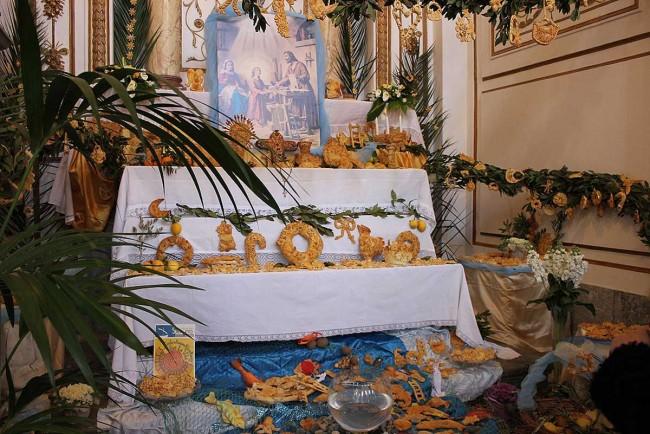 Uno dei sette altari allestiti presso la Cattedrale Ss. Salvatore di Mazara del Vallo.
