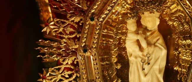 Il simulacro della Madonna della Cava.