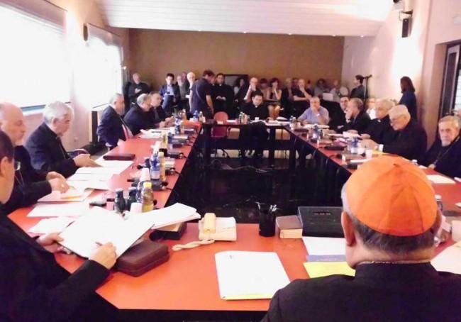 Una riunione della Conferenza Episcopale Siciliana.