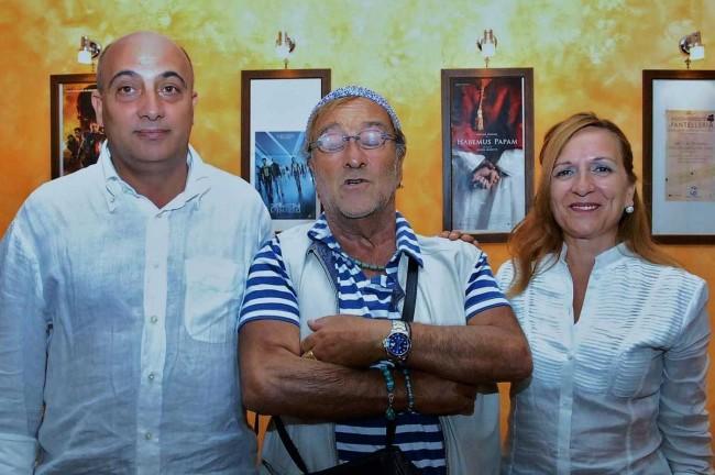 Lucio Dalla (al centro).