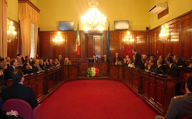 Una seduta del consiglio provinciale di Trapani.