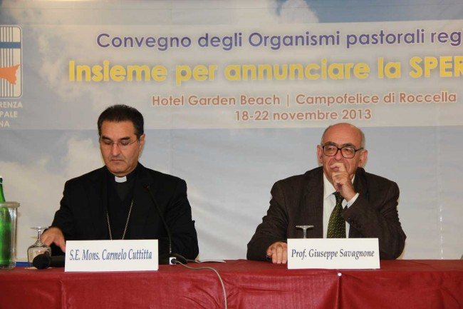 Monsignor Carmelo Cuttitta e Giuseppe Pignatone.