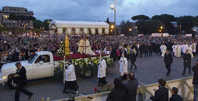 La processione del Corpus Domini, giovedì scorso a Roma.
