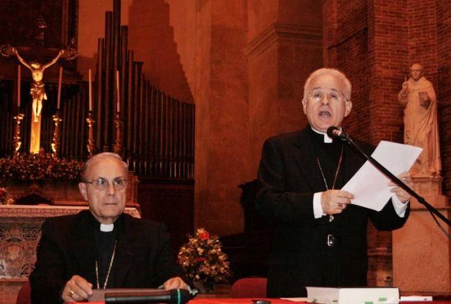 Monsignor Domenico Mogavero e monsignor Mariano Crociata.
