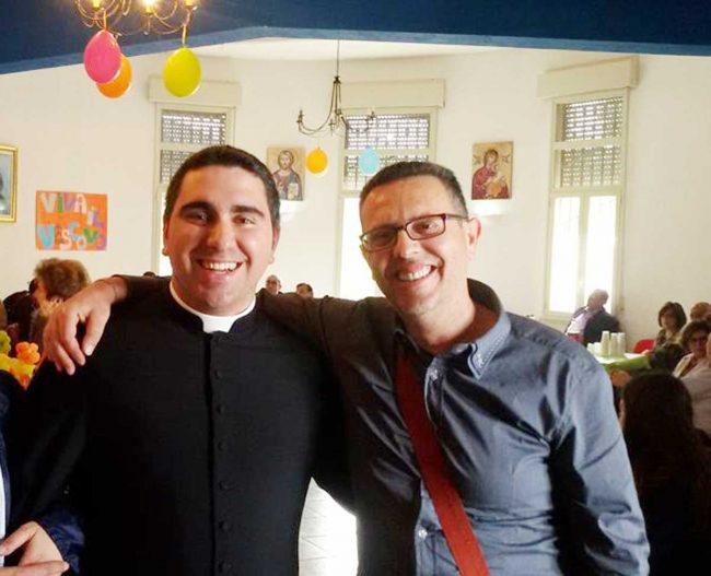 Daniele Donato con un amico.