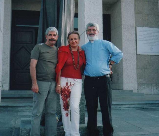 Don Meli con Ninetta Sammarco e il marito presso il Colle Don Bosco a Torino.