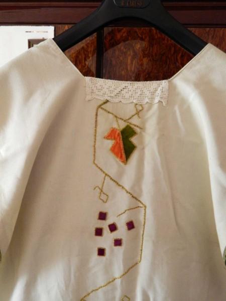 La casula indossata da don Pino Puglisi che è rimasta conservata per 45 anni negli armadi della parrocchia Maria Ss. della Salute a Castelvetrano.