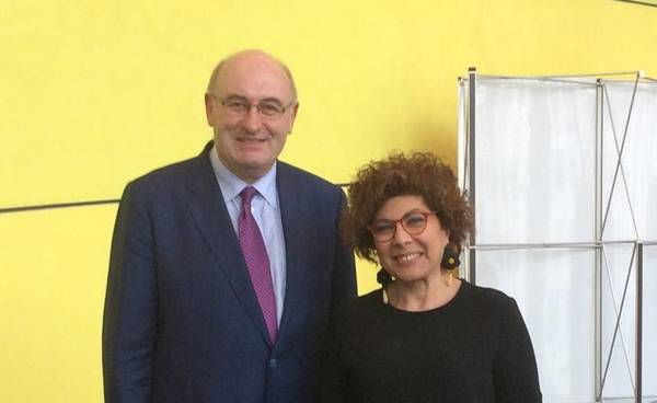 Il Commissario europeo all'agricoltura Phil Hogan con l'onorevole Michela Giuffrida.