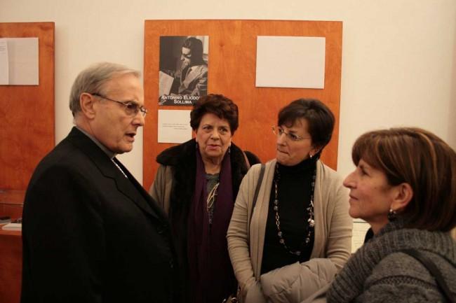 Il Vescovo con due figlie e la moglie del compositore siciliano Eliodoro Sollima.