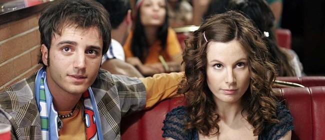 """Sarah Maestri con Nicolas Vaporidis in una scena del film """"Notte prima degli esami"""". La Maestri porterà la sua testimonianza a """"Giovaninfesta""""."""