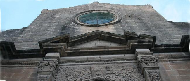 La facciata dell chiesa madre di Castelvetrano.