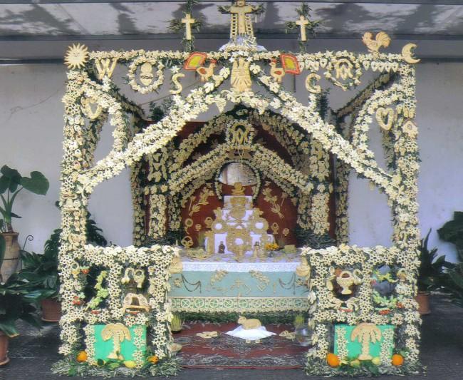 L'altare allestito nella chiesa di San Giuseppe a Castelvetrano.
