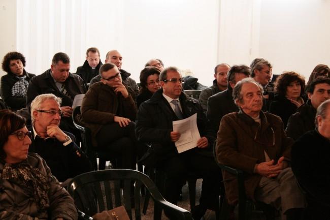 Alcuni amministratori locali durante l'incontro col Vescovo.