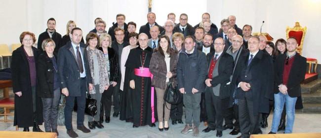I Vescovi con gli amministratori locali.
