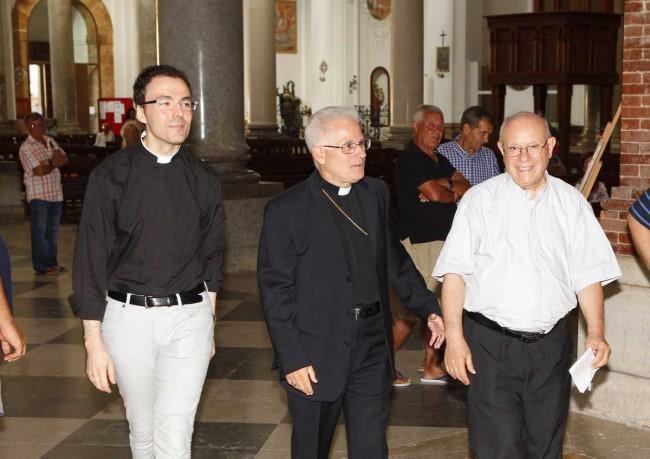 Don Vito Saladino, monsignor Mariano Crociata e don Giuseppe Ponte.