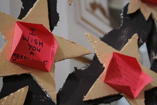 Alcuni dei messaggi scritti dai migranti.