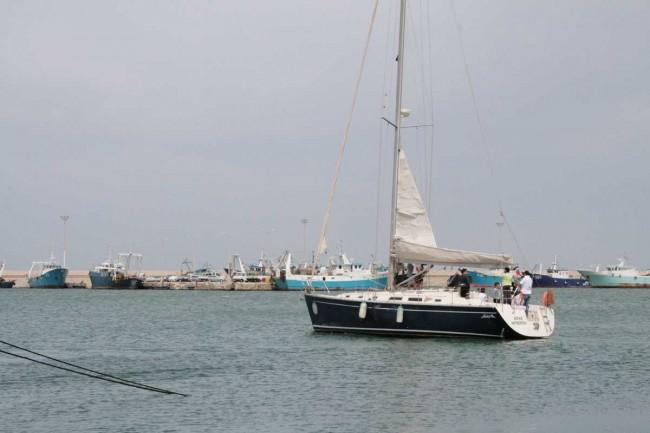 """Il """"41 piedi"""" col quale si svolgono le lezioni pratiche di vela."""