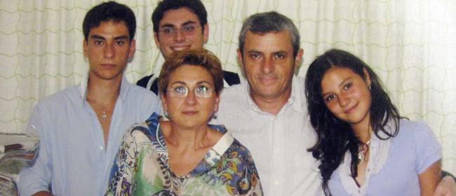 Giuseppina Puglisi con Franco La Rosa e i figli Gaetano, Giovanni e Valentina.