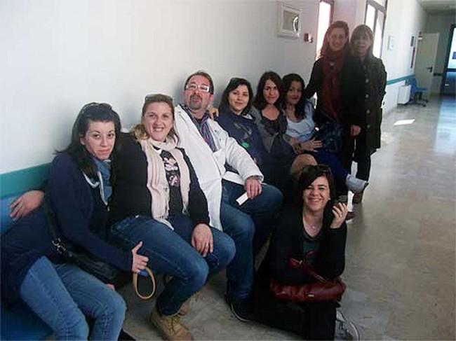La protesta delle donne pantesche nell'ospedale di Pantelleria.