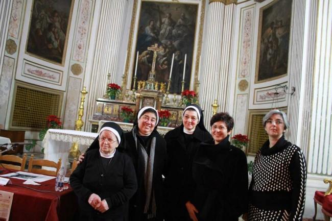 La direttrice del Museo, Francesca Massara, Anna Occhipinti (Soprintendenza ai beni culturali di Trapani) e le suore di Santa Caterina.