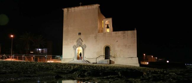 La chiesa di San Vito a mare.