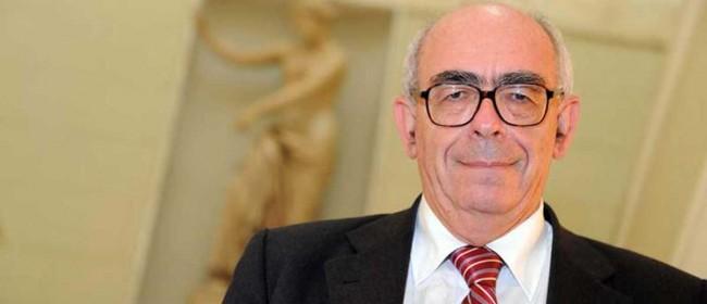 Il professor Giuseppe Savagnone.