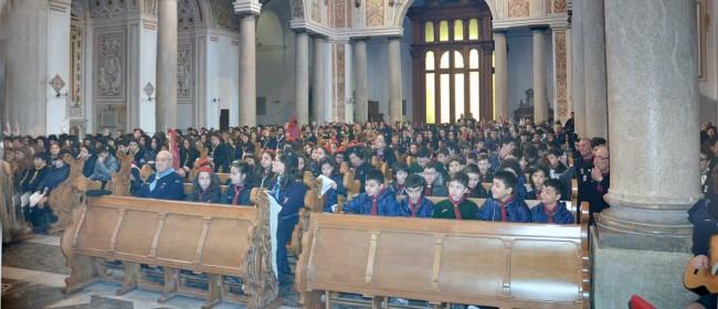 Gli scout durante la celebrazione eucaristica in Cattedrale lo scorso 7 aprile.