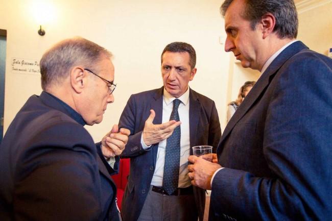 Il Vescovo, Rodolfo Sabelli e Valerio Savio, presidente e vice dell'Anm. (foto Flavio Leone)