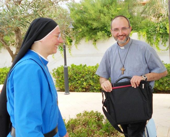 Padre Gianluca Romano.