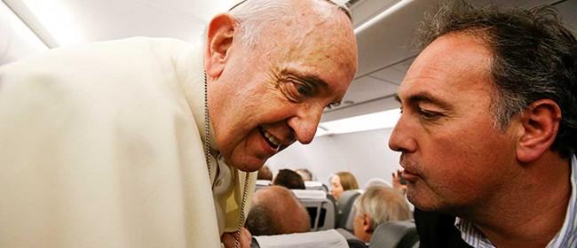 Tony Gentile e Papa Francesco sul volo di rientro dal Medio Oriente.