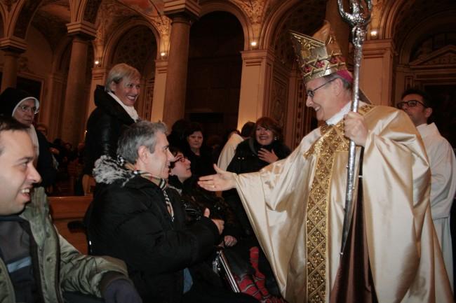 Il Vescovo durante la celebrazione eucaristica per la Giornata del malato in Cattedrale a Mazara del Vallo