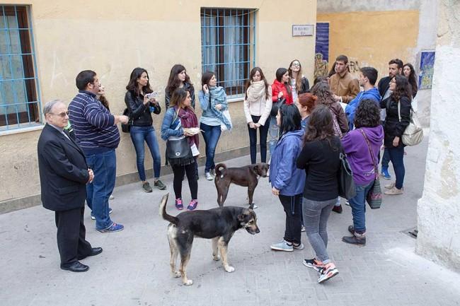 Gli studenti durante la visita nella casba.