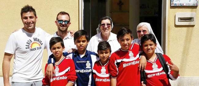 Antony Ferro (il primo a sinistra nella foto).