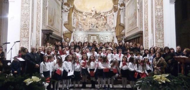 Il coro di voci bianche coi bambini del catechismo della Cattedrale di Mazara del Vallo.