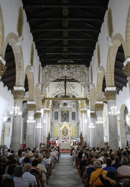 Una veduta interna della chiesa madre.