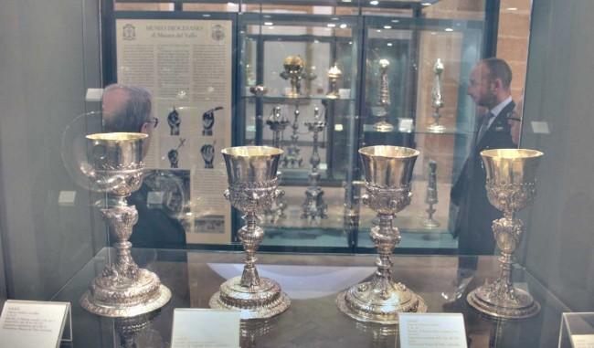 Un particolare delle vetrine del Museo diocesano.