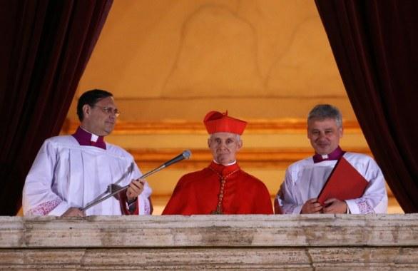 L'annuncio del cardinale protodiacono Jean-Louis Touran.